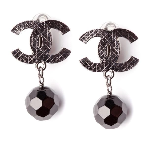 Black Pearl earrings Chanel