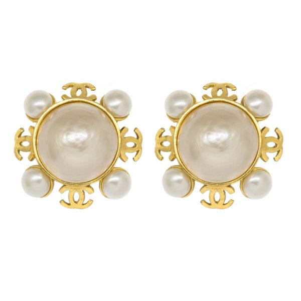 Vintage snowflake pearl earrings Chanel